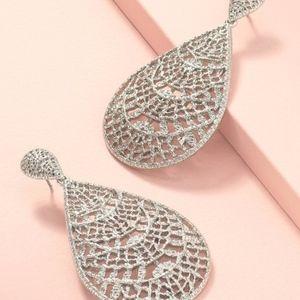 NWOT silver earrings by Stella & Dot